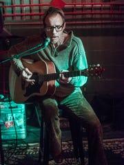 Scott Grant performs a solo show Thursday, Jan. 25,