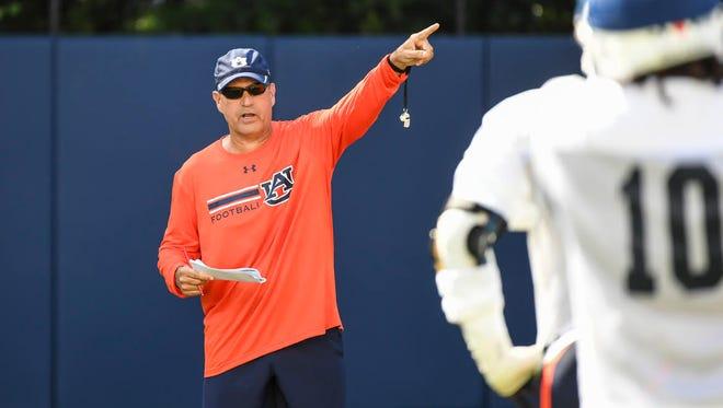 Auburn defensive coordinator Kevin Steele directing preseason practice on Aug. 1, 2017.