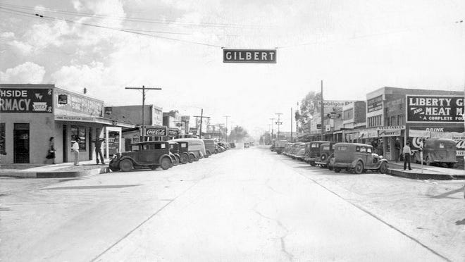 A wide-angled picture of Gilbert's Main Street in the early 1930's.