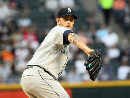 Seattle Mariners starting pitcher James Paxton makes