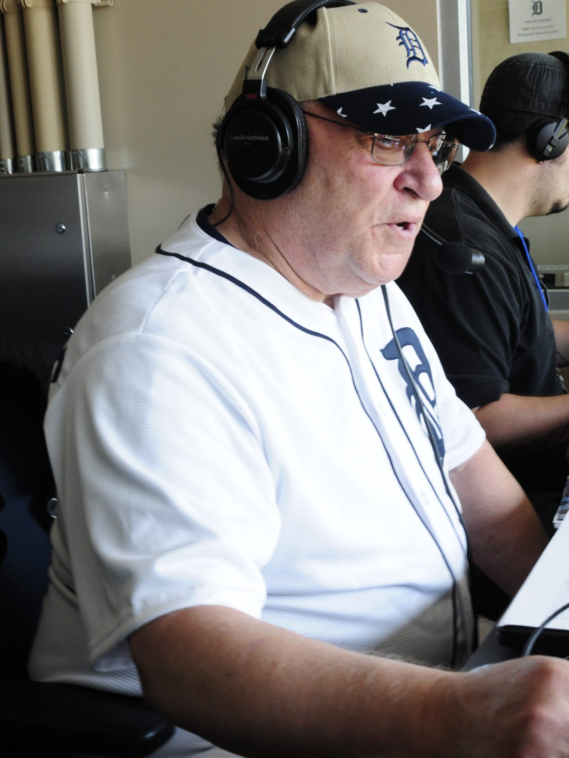 Earl Robinette talks with Tigers radio color commentator