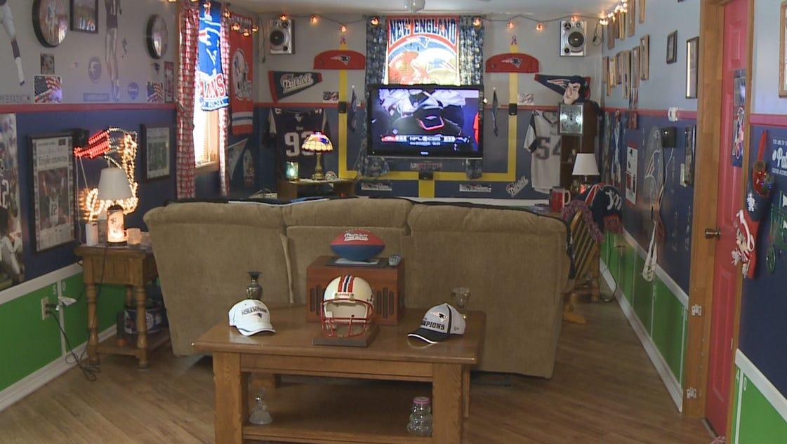 Man Cave Bet Show : Patriots fan shows off man cave