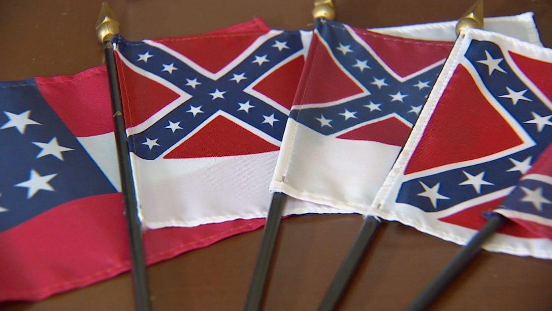 Confederate flags still for sale at Dallas shop FG64u54k