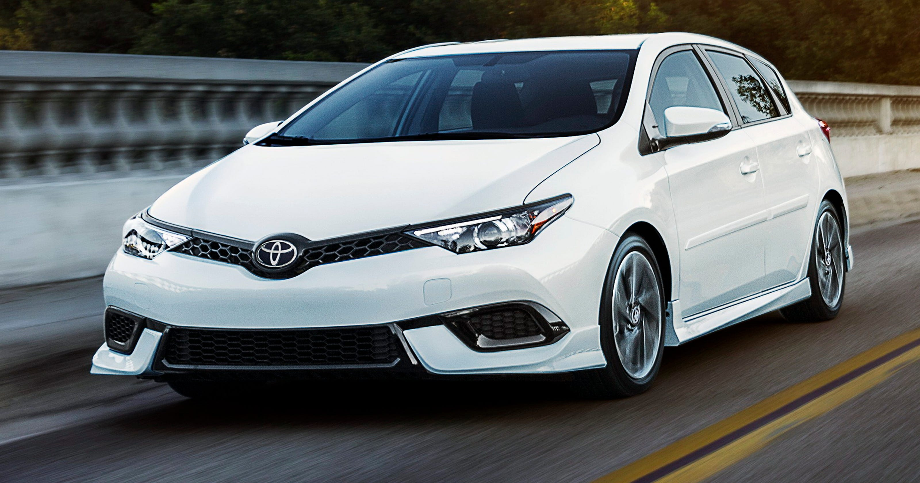 2017 Toyota Corolla Im 5 Door Hatchback Is A Wagon For All Seasons