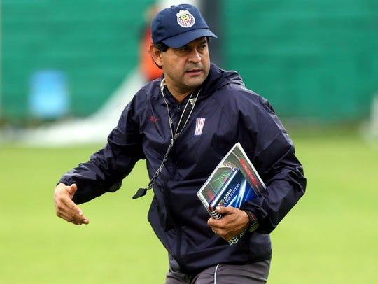 José Saturnino Cardozo, director técnico de Chivas.
