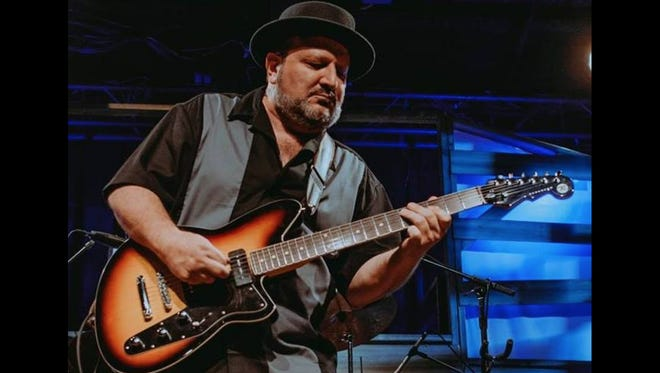 Mark Robinson to lead a four week course on the art of blues guitar at The Art Institute of Tennessee-Nashville on May 2, 2018.