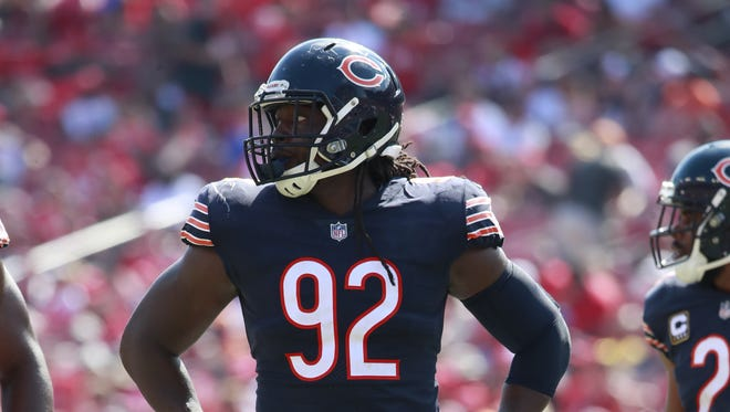 Chicago Bears outside linebacker Pernell McPhee (92) lines up against the Tampa Bay Buccaneers during an NFL football game on Sunday, Sept. 17, 2017, in Tampa, Fla.