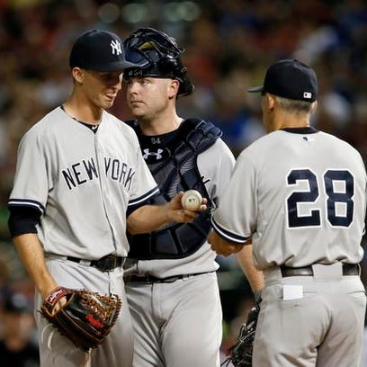 Yankees' Chasen Shreve turns the ball over to manager