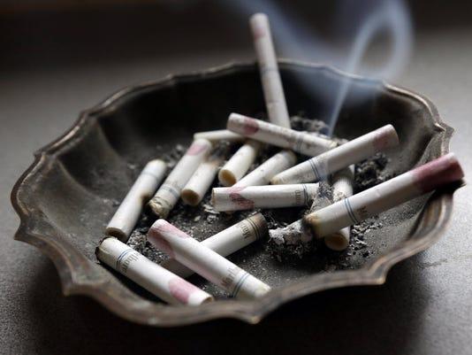 636317576718844546-smoking.JPG