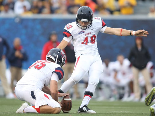 Former ECS kicker John Lunsford, who made 12 field goals of more than 50 yards in college, signed a free-agent contract with the Tampa Bay Bucs.