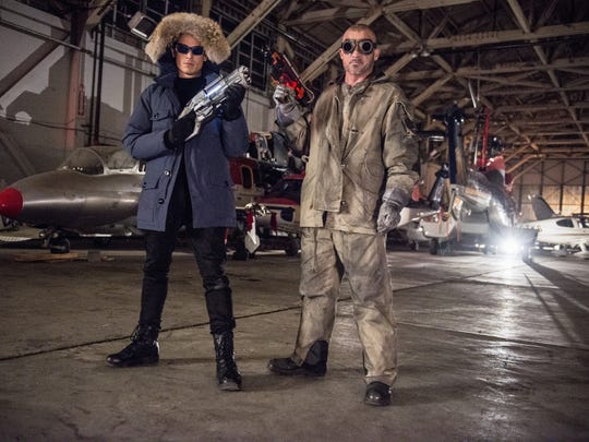 Captain Cold (Wentworth Miller, left) and Heat Wave