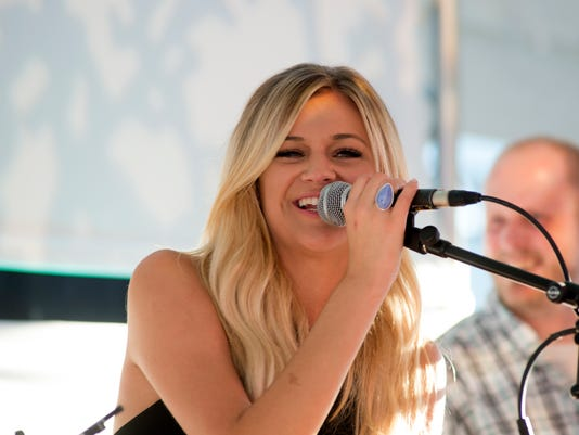 635751459144455834-kelsea-ballerini-party