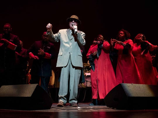 """Mitch Ryder and the Selected of God choir perform """"Rolling"""