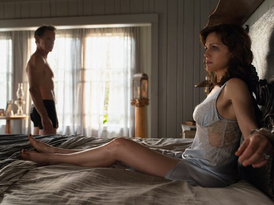 Carla Gugino (right) and Bruce Greenwood star in 'Gerald's