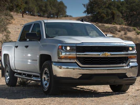 636489486804173018-2017-Chevrolet-Silverado-015.jpg