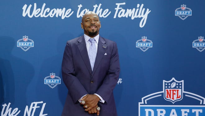 Former New England Patriots running back Kevin Faulk, who helped deliver three Super Bowl championships to the team in his 13-year career, has been voted by fans into the Patriots Hall of Fame.