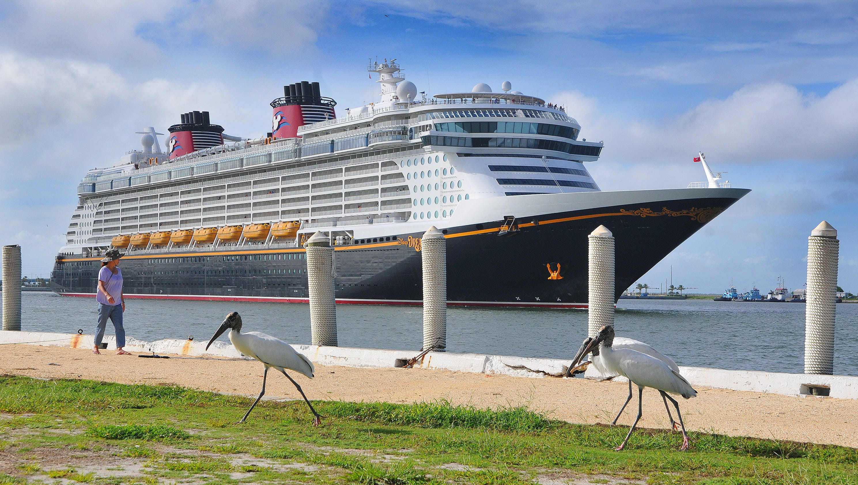 Port Canaveral ships reroute from Hurricane Matthew
