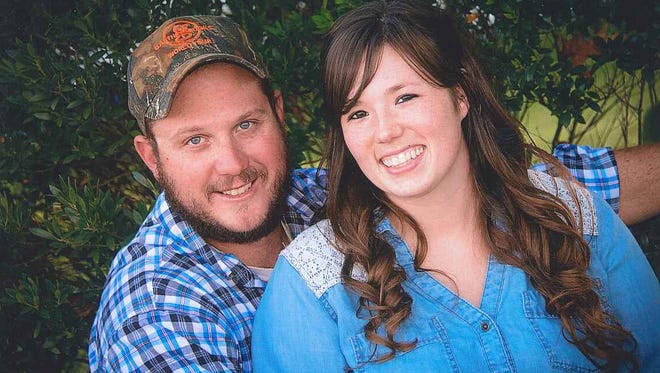 Jordan Scott and Justin Landis are planning a wedding for May 28, 2016.