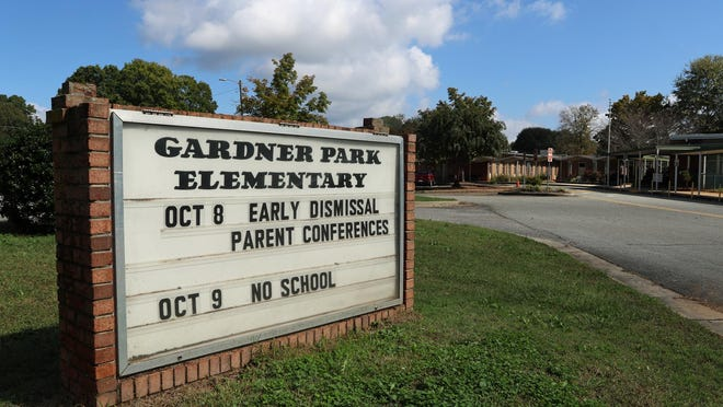 Exterior of Gardner Park Elementary School Tuesday afternoon, Oct. 13, 2020.
