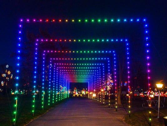 ... Des Moines-area Christmas light displays. Wochit.  636469503572302275-DSC-5160.jpg - Christmas Lights Near Des Moines: Guide To Popular Displays