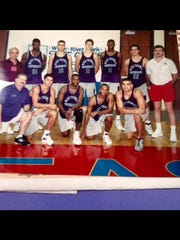 Jeff Anderson (22) and Brent Kell (second from left, bottom row) on Mike Thomas Photography AAU team that boasted Calbert Cheaney (25) and Walter McCarty (15).