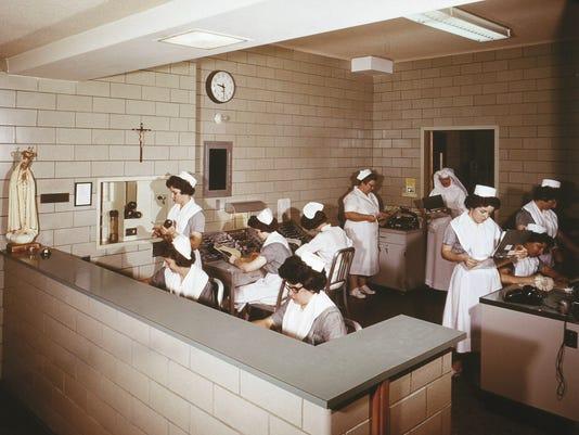 636211188915228171-Nursing-School-Station-00560064.jpg