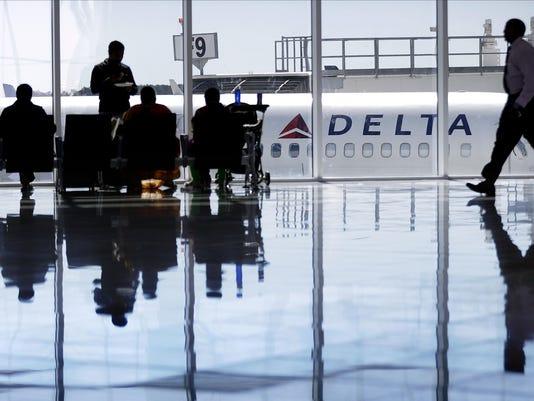 AP_Airlines-Passenger_Compen