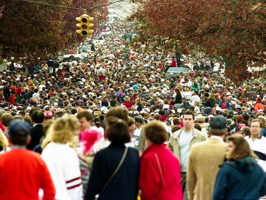 CROWD IRON BOWL 1989 COPYEdit.jpg