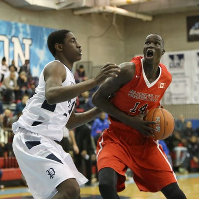 Thon Maker (right) is one of the top unsigned players in this year's recruiting class.