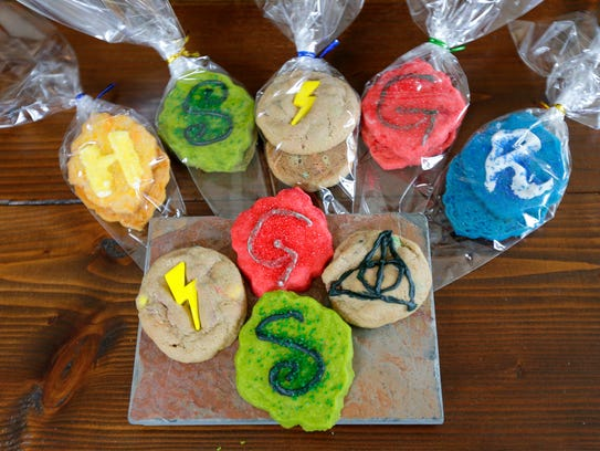 An assortment of some 120 Harry Potter-themed cookies