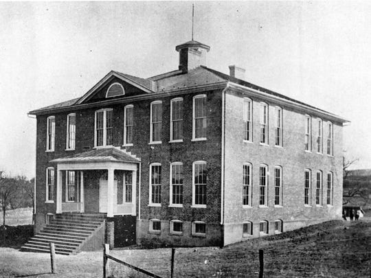Image of the Beverley Manor Academy on Thornrose Avenue. Date unknown.