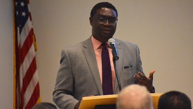 William Jahmal Miller, former state deputy director of health equity, talks about how income and race affects health in a forum held by the Ventura County Health Care Agency.
