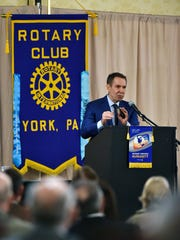 Internationally acclaimed artist Jeff Koons speaks at a Rotary Club of York meeting Wednesday, Jan. 18, 2017, at the Wyndham Garden York in West Manchester Township. Koons, a York County native and Dover Area High School alumnus, is best known for his references to popular art, including his balloon animal sculptures.