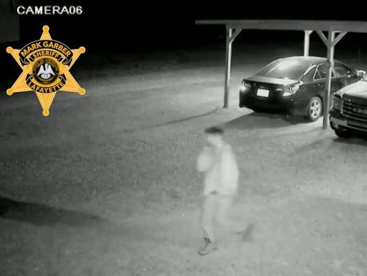 636228402993216634-car-burglary.jpg