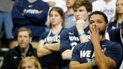 Xavier Musketeers fans react during the loss to Gonzaga.