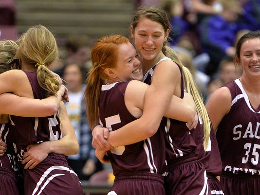 635937592479982415-Sauk-Centre-girls-bball-2.JPG