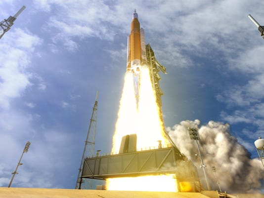 636441130590960548-sls-70mt-dac3-orange-launch-uhr2.jpg