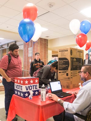 York College students participate in a mock election Tuesday, Oct. 4, 2016. Amanda J. Cain photo
