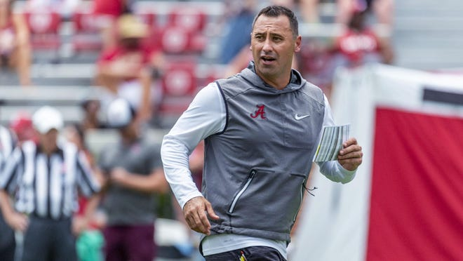 After weighing head-coaching opportunities over the offseason, Alabama offensive coordinator Steve Sarkisian is staying at UA with a pay raise that was finalized on Wednesday.