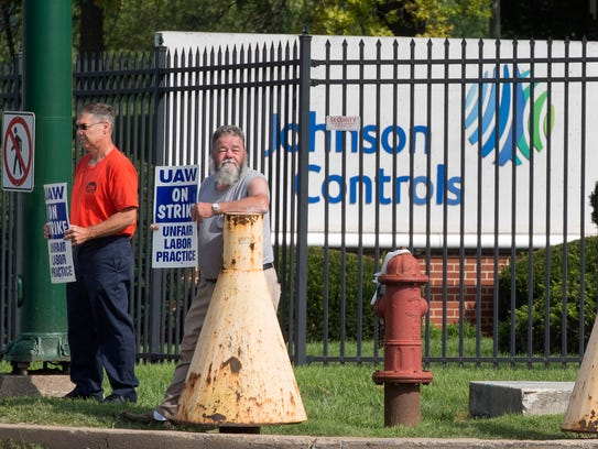 UAW workers on strike outside of Johnson Controls on