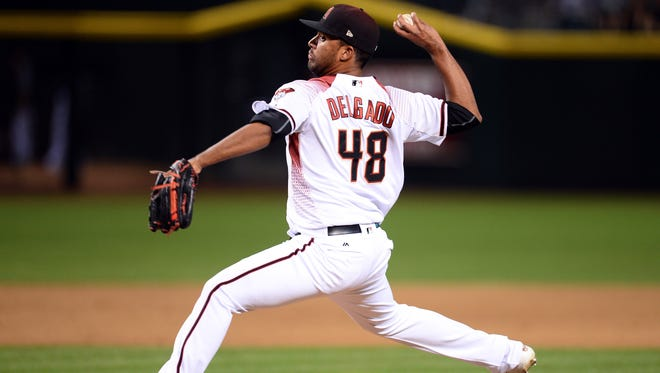 May 10, 2017: Arizona Diamondbacks relief pitcher Randall Delgado (48) pitches against the Detroit Tigers during the ninth inning at Chase Field. The Diamondbacks won 7-1.