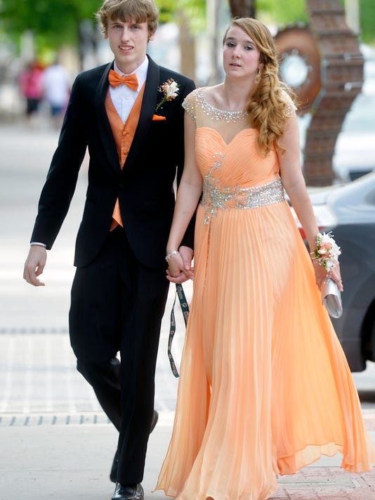 Central York students and their guests arrive for prom at the Valencia Ballroom in York on Saturday, May 9, 2015. Chris Dunn Ñ Daily Record/Sunday News
