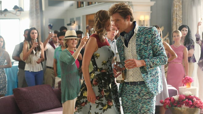 """REVENGE - """"Renaissance"""" - As Emily plans to host her most surprising party ever, Victoria finds a way to turn her greatest setback into a dangerous advantage. Meanwhile, unbeknownst to them both, David Clarke plans his next move, on the Season 4 Premiere of """"Revenge,"""" SUNDAY, SEPTEMBER 28."""