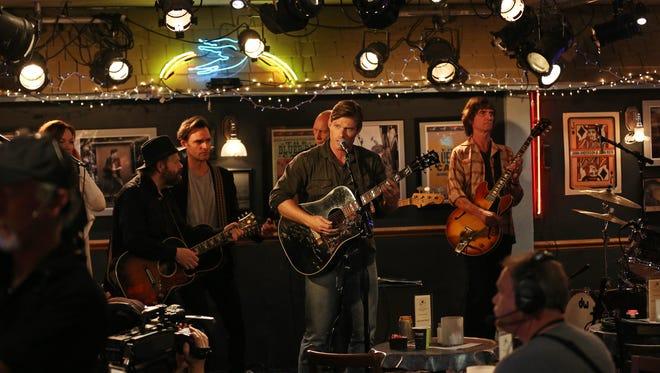Chris Carmack rehearses for the 'Nashville' season 3 premiere