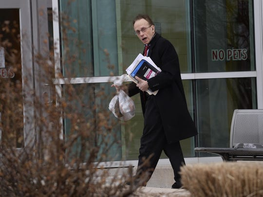 Warren Mayor Jim Fouts says he does not want to be bothered while running.
