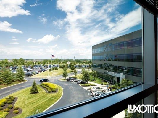 635828357154045648-luxottica-US-retail-headquarters-in-mason
