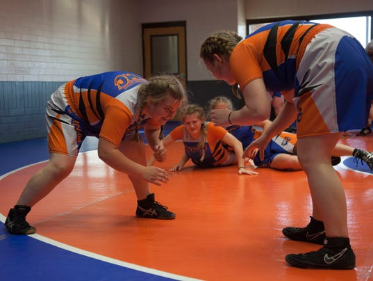 636476643173874022-STG-1201-WCHS-Wrestling-10.JPG
