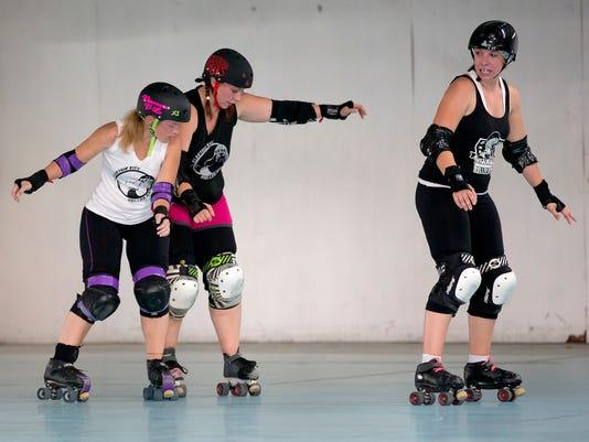 -roller girls 1.jpg_20140828.jpg