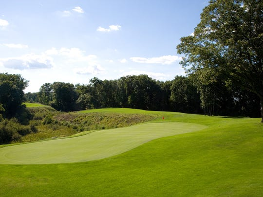 Hole No. 15 at Diamond Springs, from behind the green.