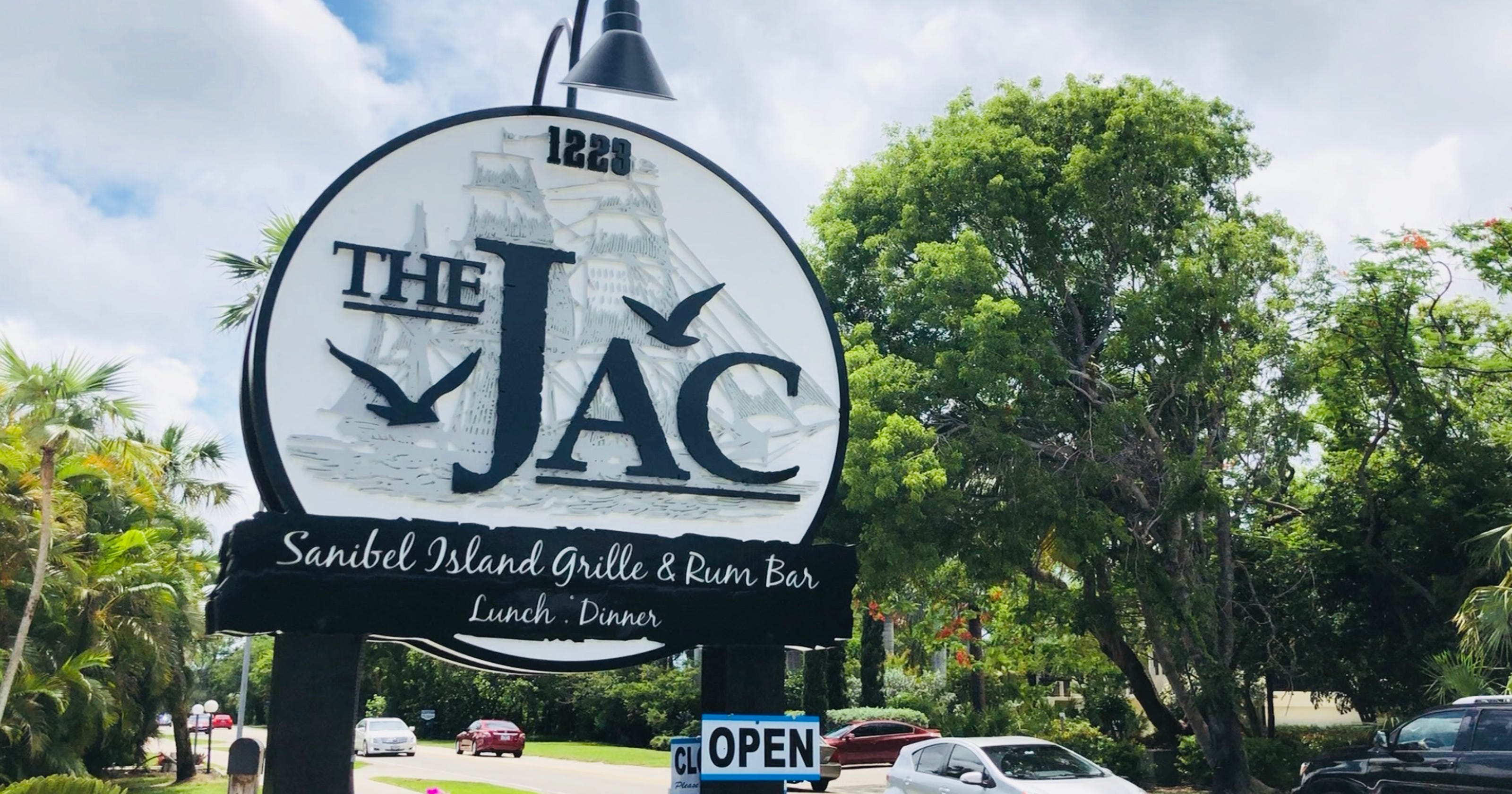 The Jac Island Bar & Grille opens on Sanibel